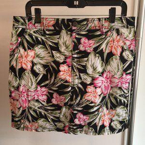 Croft & Barrow Women's Skort Black Floral Size 12